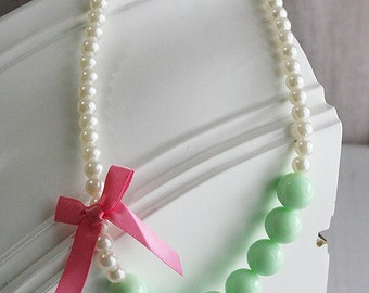 Green Pearl Baby Girl Necklace, White Pearl Baby Necklace, Baby Girl Necklace, Dress Up Necklace, Baby Necklace, Baby Photo Prop Necklace