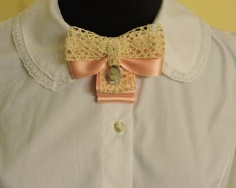Bow tie brooch pin // Bow tie // victorian bow tie // classic lolita bow tie
