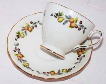 Royal Vale Vintage China Teacup Bone China England Pat. 8184 - 767