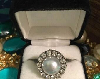 pearl/gem stone / costume jewlery ring/ adjustable/