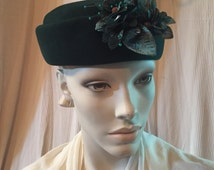 I Magnin 1950's Vintage Designer ~ Ranleigh Emerald Green Wool Felt Pillbox Hat  - Silk Teal and green Floral Headpiece