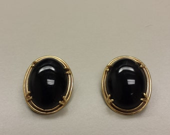 Vintage 14K Yellow Gold Onyx Clip On Earrings