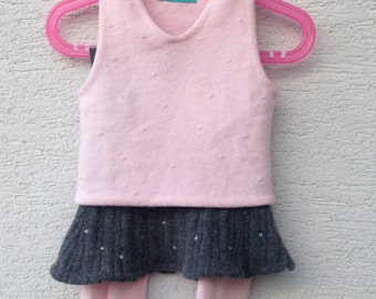 RosaGrau sleeveless sweater / skirt made of rib knit/hat/Beinwärmer/embroidered with pink glass beads