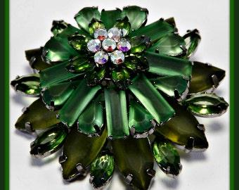 Vintage Domed Brooch, Vintage Domed Rhinestone Brooch, Vintage Brooch, Vintage Rhinestone Brooch, Vintage Layered Rhinestone Flower Brooch