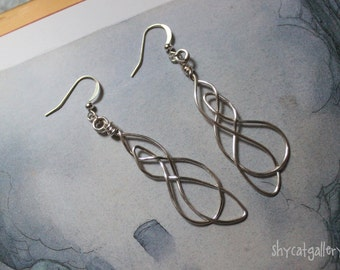 Wire Earrings - Celtic Knot - Silver - Hand Crafted - Simple - Organic