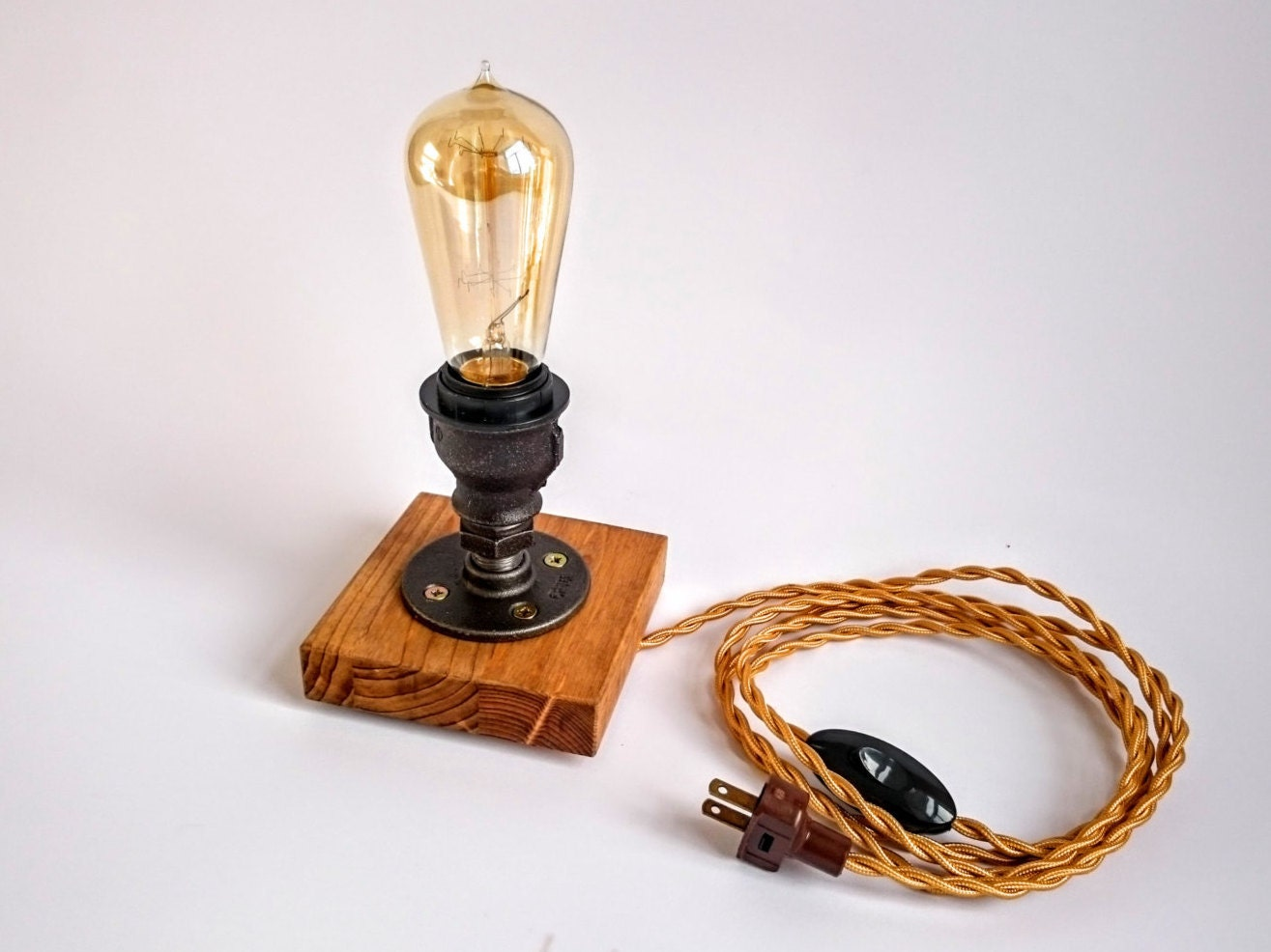 edison lamp steampunk lamp table lamp industrial lighting. Black Bedroom Furniture Sets. Home Design Ideas