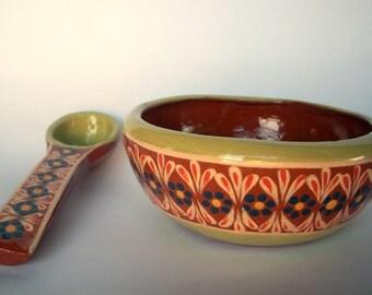 Beautiful gravy/ sauce/ salsa bowl
