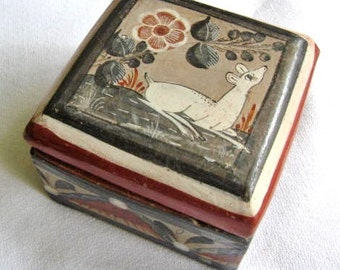 Signed Tonala Mexico Pottery Trinket / Dresser Box w. Deer and Flower Design
