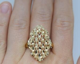 Beautiful Vintage Fine Gold Filigree Boho Ring, US Size 11.25, 14 Karat Yellow Gold, Used Vintage,