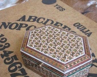 "Small Vintage wood inlay keepsake box - 5"" x 1.75"" x 3.5"""