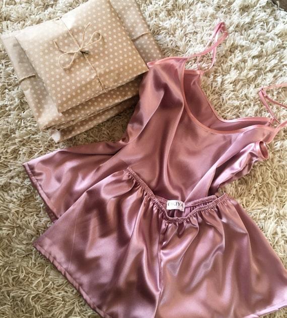 women 39 s satin pajama set short pajama set satin. Black Bedroom Furniture Sets. Home Design Ideas