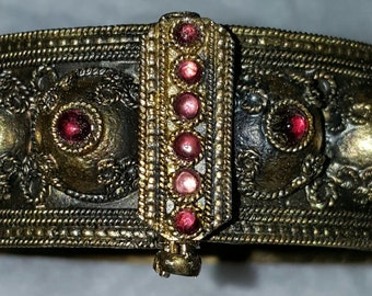 Antique bangle in the Etruscan style