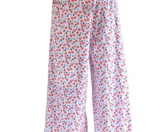 Women in Pink Wraparound Trousers/Summer Trousers