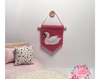 Mini Swan Wall Hanging