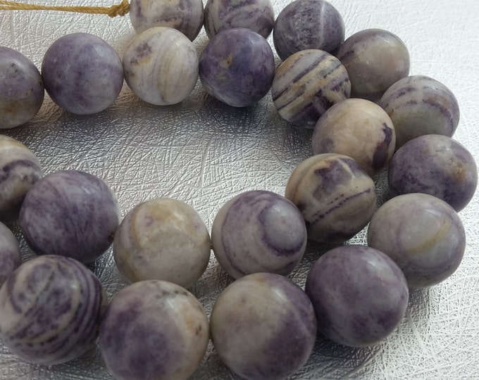 14mm Chariote half strand Destash beads