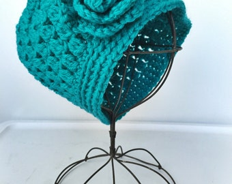 SALE - TURQUOISE // crochet hat with flower
