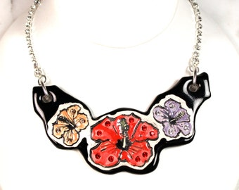 Hawaiian Flower Sparkle Surly Ceramic Necklace With Rhinestone Chain