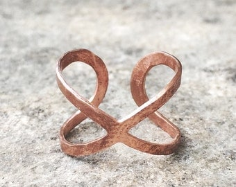 Copper Infinity Ring -  Hammered Copper Rustic Wedding - Bridesmaids Gifts - Copper Infinity Womens Adjustable Small Statement Midi Ring