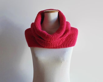 Honeysuckle Wool Cowl Scarf, Woman Snood, Pink Circular Wrap Scarf, Hand Knitted, Neck Warmer, Womens, Cute Chunky Knit Scarf, Ready to Ship