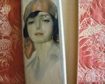 Vintage Glove or Stocking Box with Lovely Flapper Era Beauty on the Lid