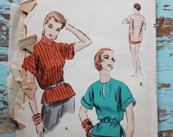 "1950s blouse sewing pattern / Vogue 8177 / kimono sleeve blouse tunic / bust 30"""