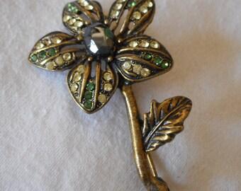 VINTAGE Rhinestone Flower Metal Jewelry Brooch