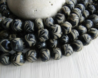 rustic round lampwork glass beads, black white  with motif, ethnic rustic gritty look, Indonesian 8 to 11mm (10 beads)  6bb3-6