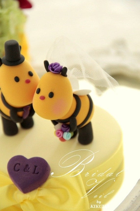 Kissing  Bees bride and groom wedding cake topper---k777