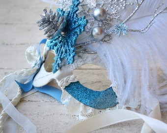 Milady de Winter - Venetian Style Masquerade Mask in Cream, Silver, and Icy Blue