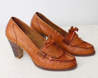 Boho '70s Brown Leather Oxford Heels Shoes / Hippie Fringe Platform Pumps / '60s QualiCraft Stacked Wooden Heel Loafers /Women's Size 7.5 8
