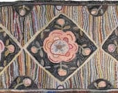 Antique Rose Runner in 2 sizes rug hooking pattern