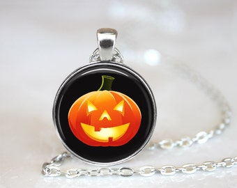 """Pumpkin Jack O'Lantern Changeable Magnetic 1"""" Pendant Necklace with Organza Bag"""