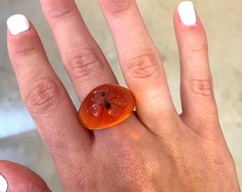 Vintage ring retro ring orange ring resin ring faux amber ring insect ring bug ring ant ring antique ring weird ring creepy ring unique ring