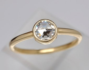 Rose cut diamond solitaire engagement ring | 18k gold