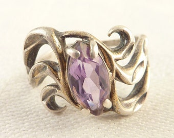 Size 7 Vintage Open Wavy Sterling Marquise Amethyst Ring