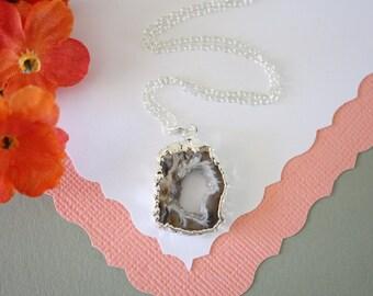 Geode Slice, Druzy Necklace Silver, Silver Geode Necklace,  BoHo Necklace, Crystal Necklace, Silver Slice Druzy, Natural, Rock, GCH78