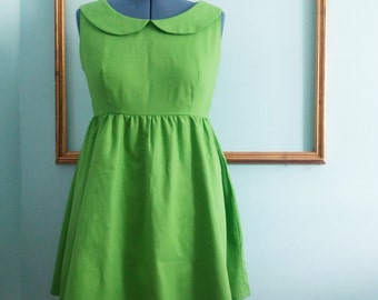 Green dress with yellow collar