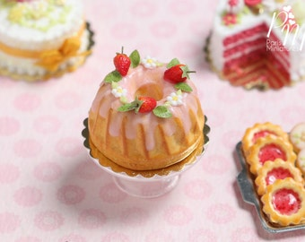 Pound Cake / Kouglof Decorated with Fresh Strawberries - Miniature Food for Dollhouse 12th scale 1:12