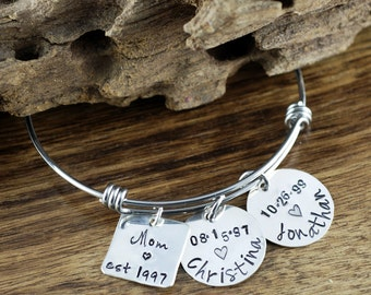 Personalized Mom Bangle Bracelet, Silver Name Bracelet, Silver Bangle Charm Bracelet, Custom Name Bracelet, Mothers Bracelet, Gift for Mom