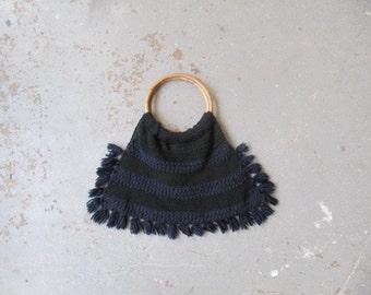 70s fringed bag / 1970s vintage knitted black and navy handbag