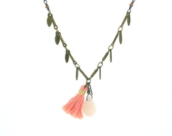 """Necklace """" Floralies pompom coral"""" faceted semi precious stone, opalescent, semiprecious, stone, women, woman, girl, gift"""