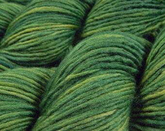 Hand Dyed Yarn - DK Weight Superwash Merino Wool Singles Yarn - Laurel - Knitting Yarn, Wool Yarn, Single Ply Yarn, DK Yarn, Green
