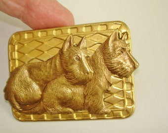 Pr Dog  Brooch Gold Tone Repousse Brooch