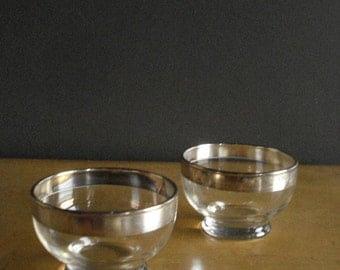 Silver Rimmed - Vintage Set of Two Dorothy Thorpe Barware Glass Bowls - 2 Silver Rimmed Serving Bowls