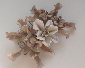 Pearl floral comb
