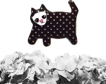Sad Cat Brooch, Cat Brooch, Animal Jewelry, Cat Jewelry, vegan jewelry, vegan necklace