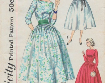 Simplicity 2338 / Vintage 50s Sewing Pattern / Dress / Size 14 Bust 34