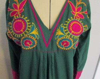 Vintage 70s M medium Green & Pink Kurta Kurti floor length Indian boho embroidered belly dance bhangra festival Cover Up coverup ATS tribal