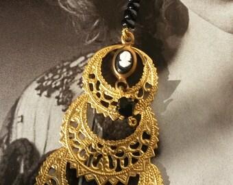 VICTORIAN AGE/filigree dangle/cameo earrings/victorian earrings/bohemian earrings/vintage earrings/jet earrings/antique earrings