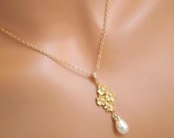 Pearl necklace Bridal Necklace bridal rhinestone necklaceTeardrop Necklace Pear Shape Statement Bridal pearl Swarovski necklace HELENA